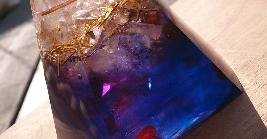 五角錐ブルーX琥珀のオルゴナイト☆Blue & Amber Orgonite